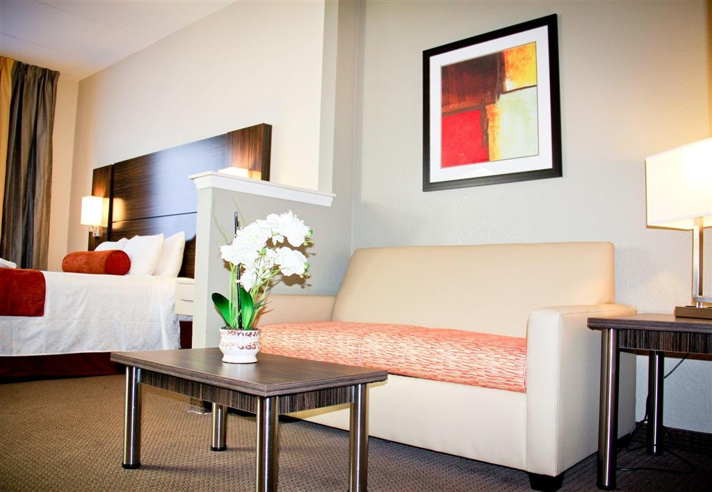 Best Western Airport Inn & Suites - Suite