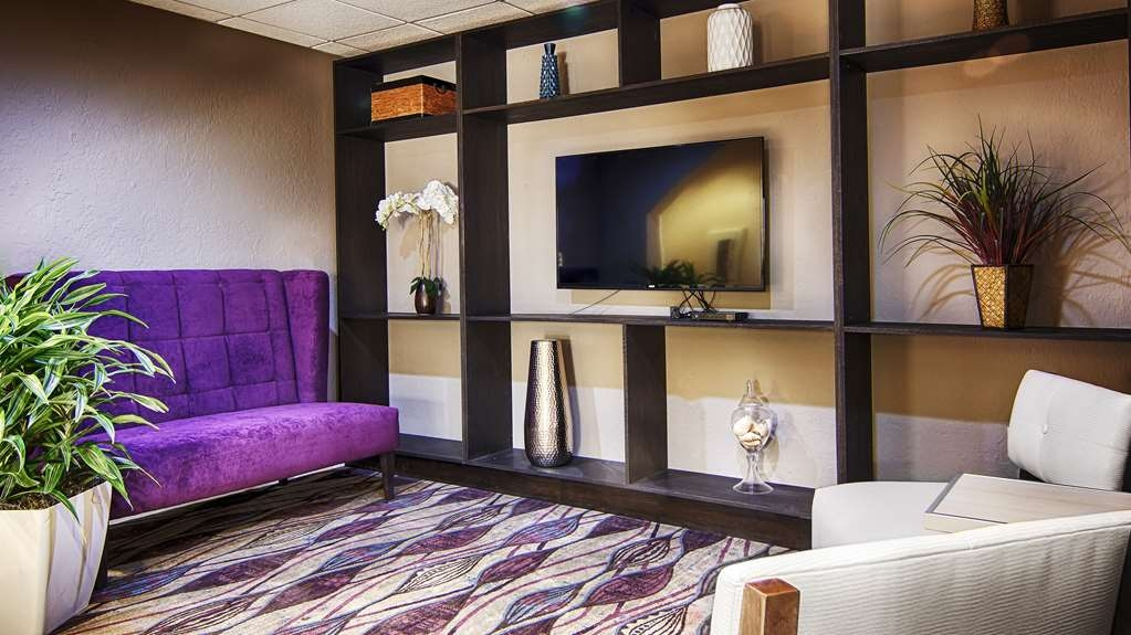 Best Western Airport Inn - Relax and enjoy your stay in Fort Myers.
