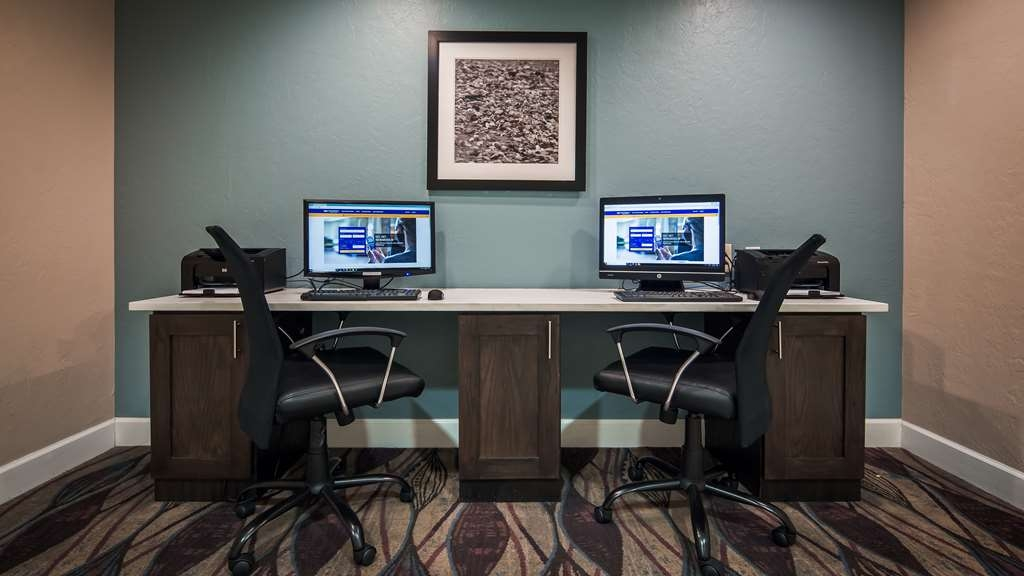 Best Western Airport Inn - Keep connected with your loved ones in our business center.