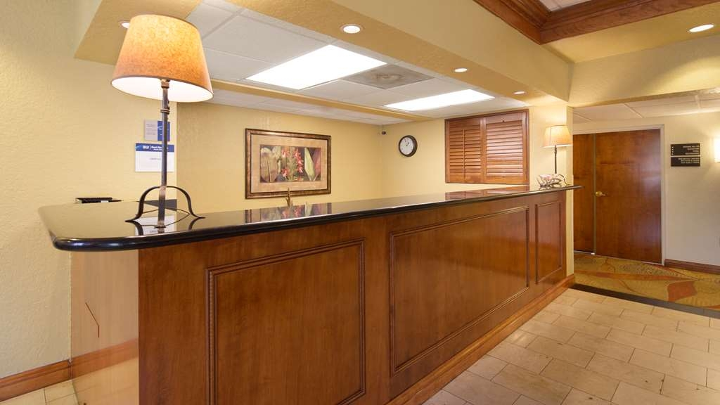 Best Western Tampa - Lobby Front Desk
