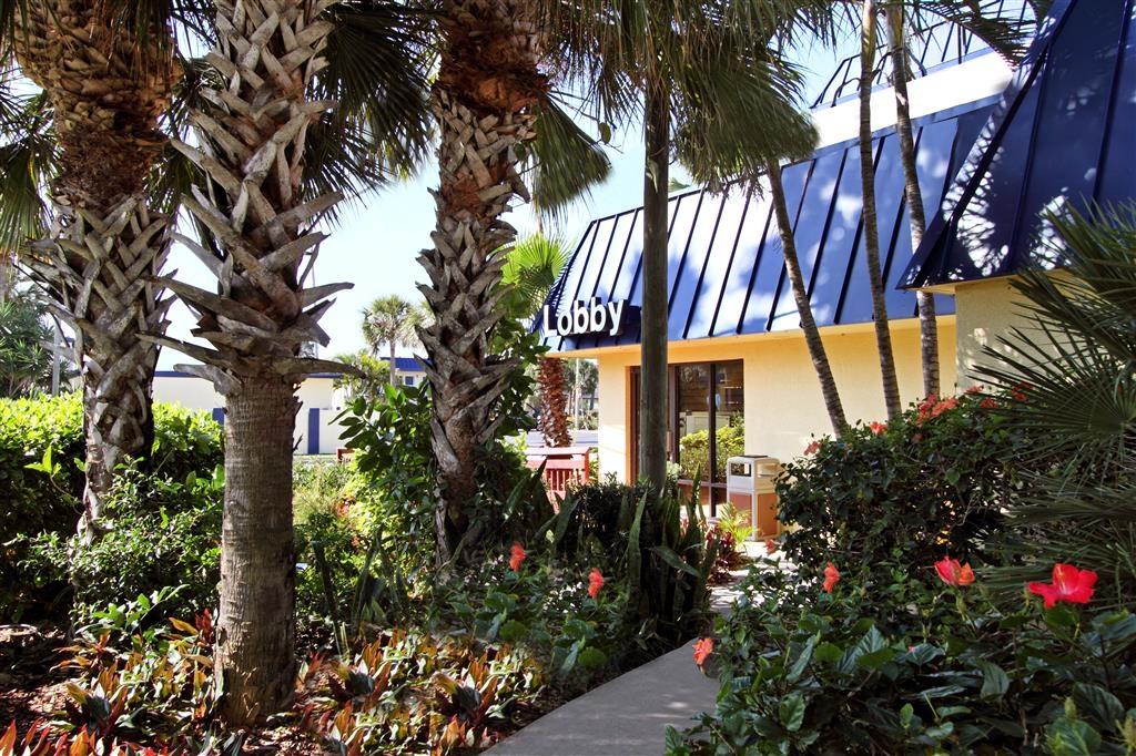 Best Western Cocoa Beach Hotel & Suites - Außenansicht