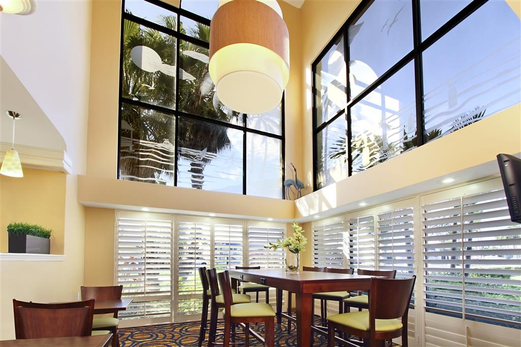 Best Western Cocoa Beach Hotel & Suites - Hall