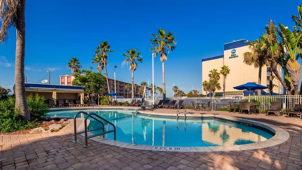 Best Western Cocoa Beach Hotel & Suites - Vue de la piscine