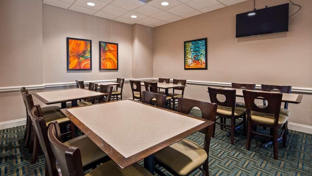 Best Western Cocoa Beach Hotel & Suites - Restaurant / Gastronomie