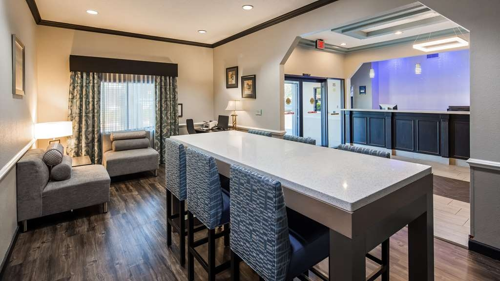 Best Western Mayport Inn & Suites - Front desk reception area with lobby that provides plenty of seating