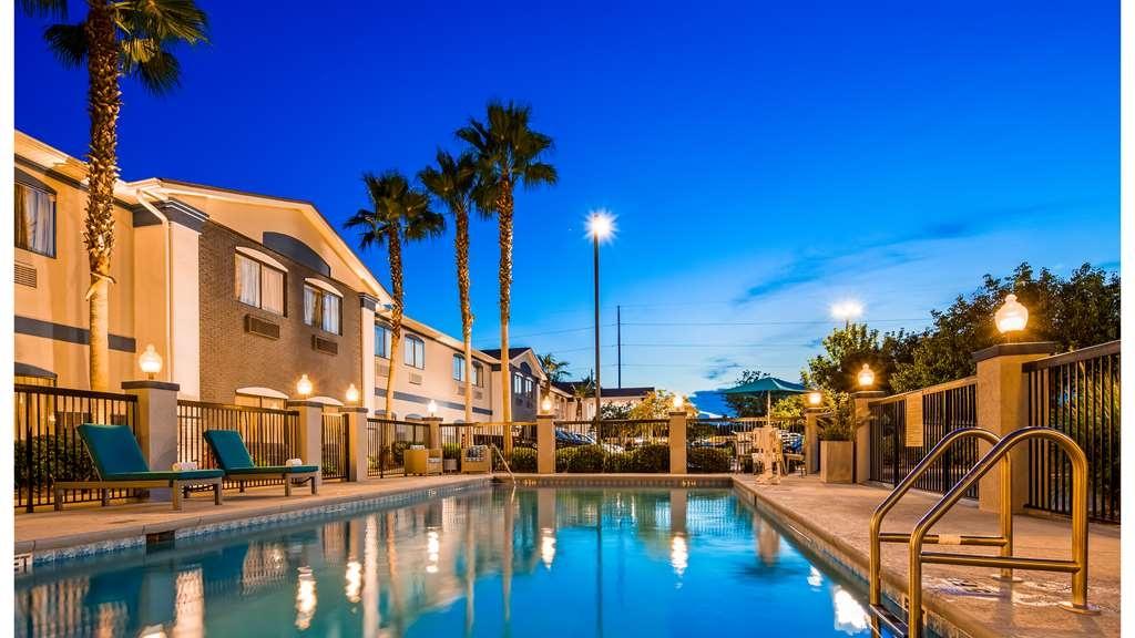 Best Western Mayport Inn & Suites - Poolansicht