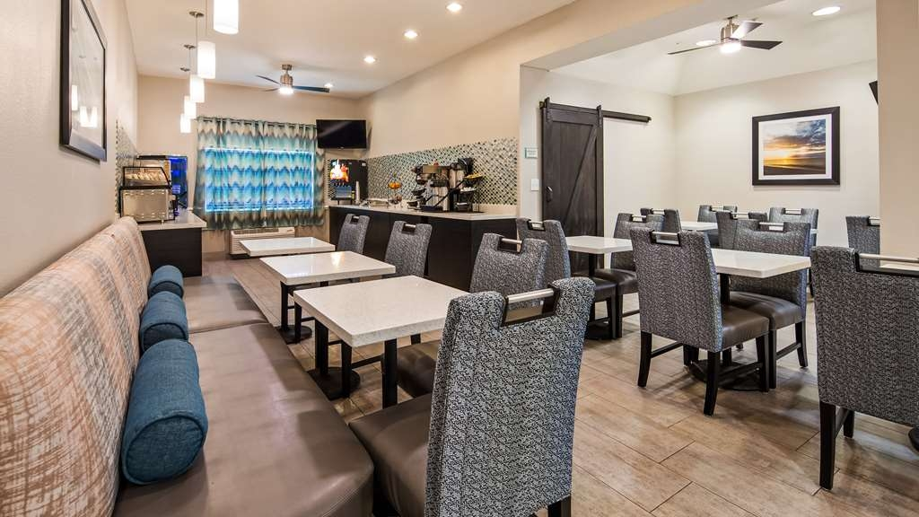 Best Western Mayport Inn & Suites - Breakfast dining area allows for comfortable space for enjoying fresh hot breakfast.
