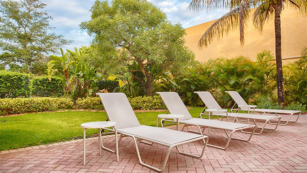 Best Western Plus Miami-Doral/Dolphin Mall - Piscina