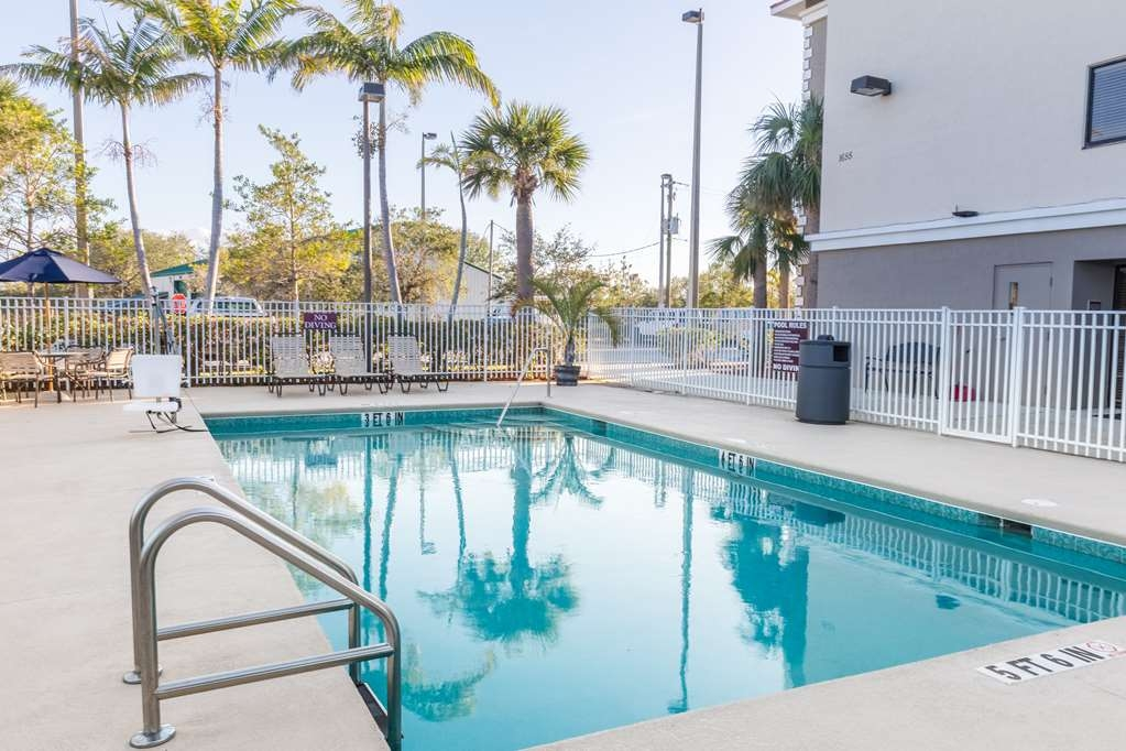 Best Western Plus Sebastian Hotel & Suites - Pool