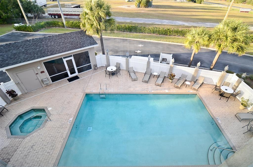 Best Western Heritage Inn & Suites - Swimming Pool and Hot Tub