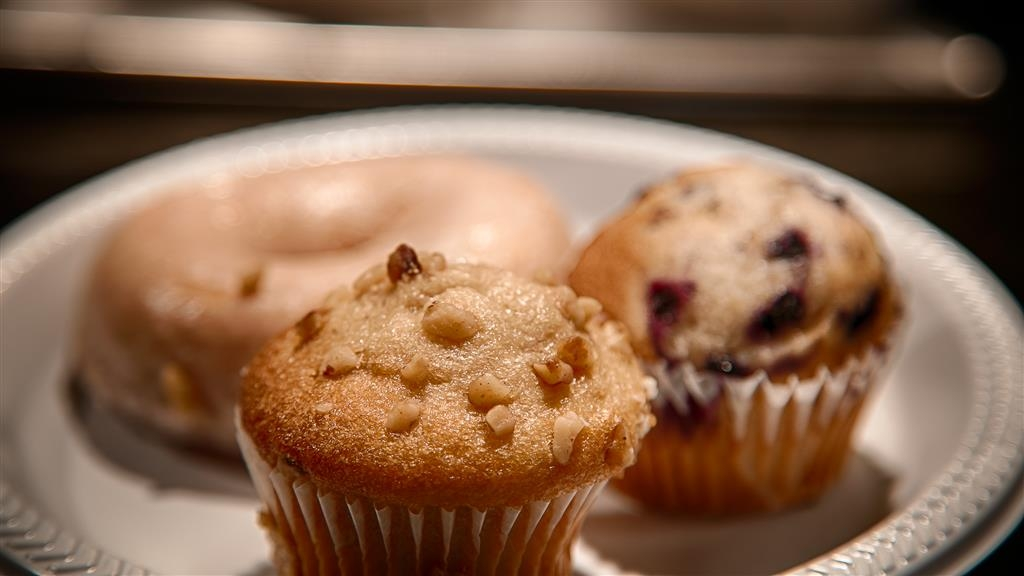 Best Western Plus Deerfield Beach Hotel & Suites - We offer a variety of bake goods such as pastries, bagels and much more.