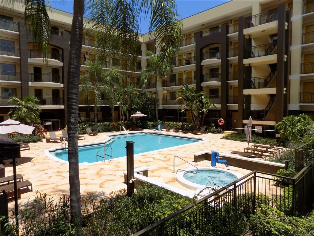 Best Western Plus Deerfield Beach Hotel & Suites - Take a refreshing dip or swim some laps in our outdoor pool.