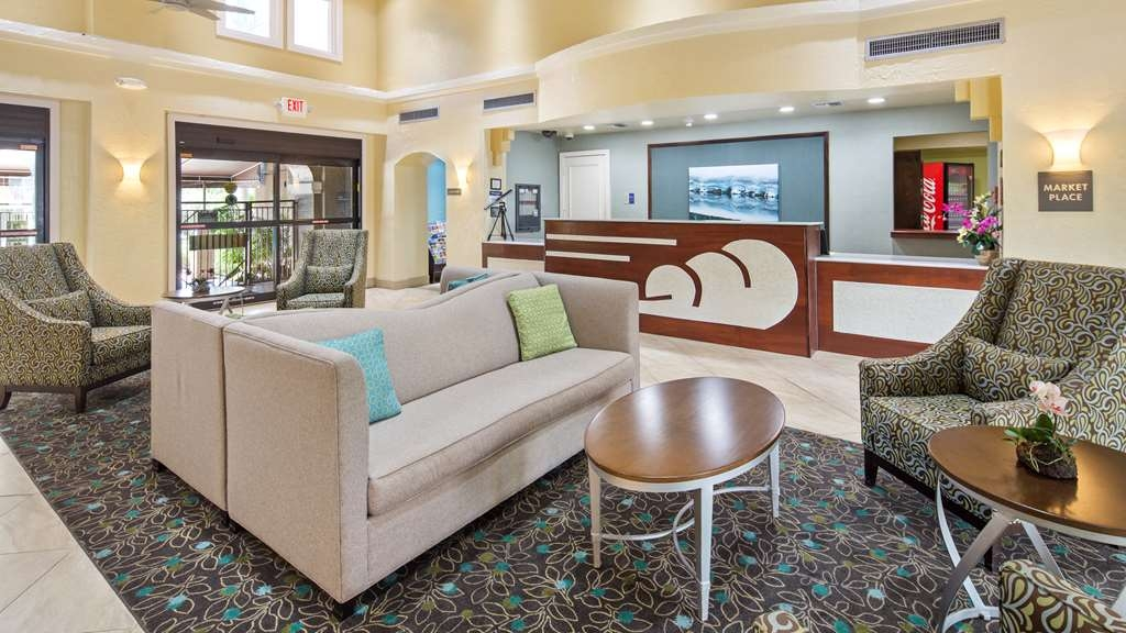 Best Western Plus Deerfield Beach Hotel & Suites - Our lobby makes for a great place to meet up with friends and family.