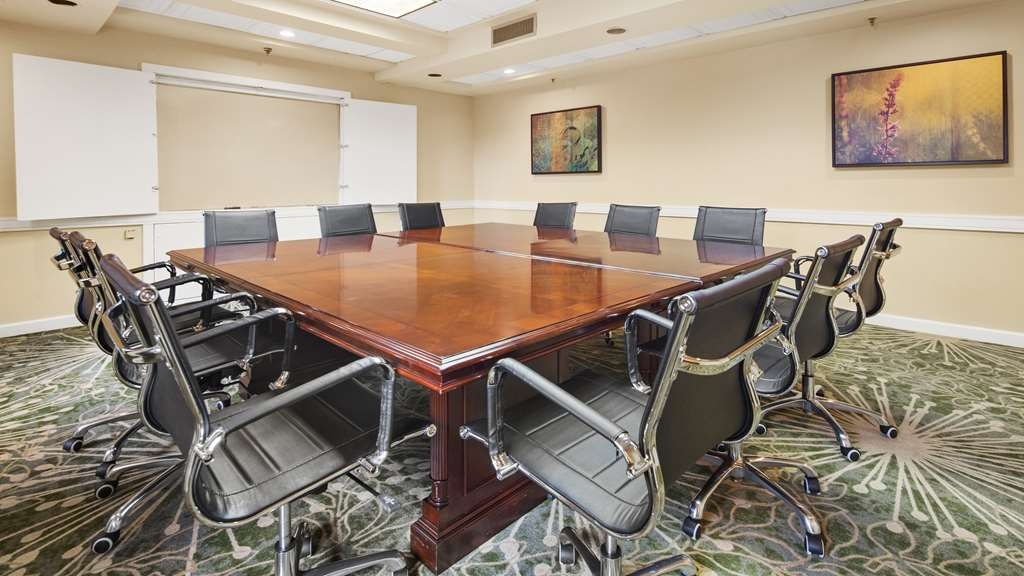Best Western Plus Deerfield Beach Hotel & Suites - Need to schedule a meeting for business? We have space available for you and your clients.