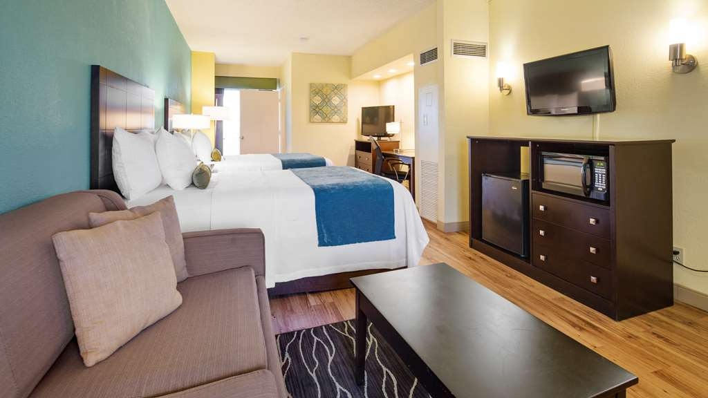 Best Western Plus Deerfield Beach Hotel & Suites - We offer a variety of suite 2 double bedrooms from standard to mobility accessible.