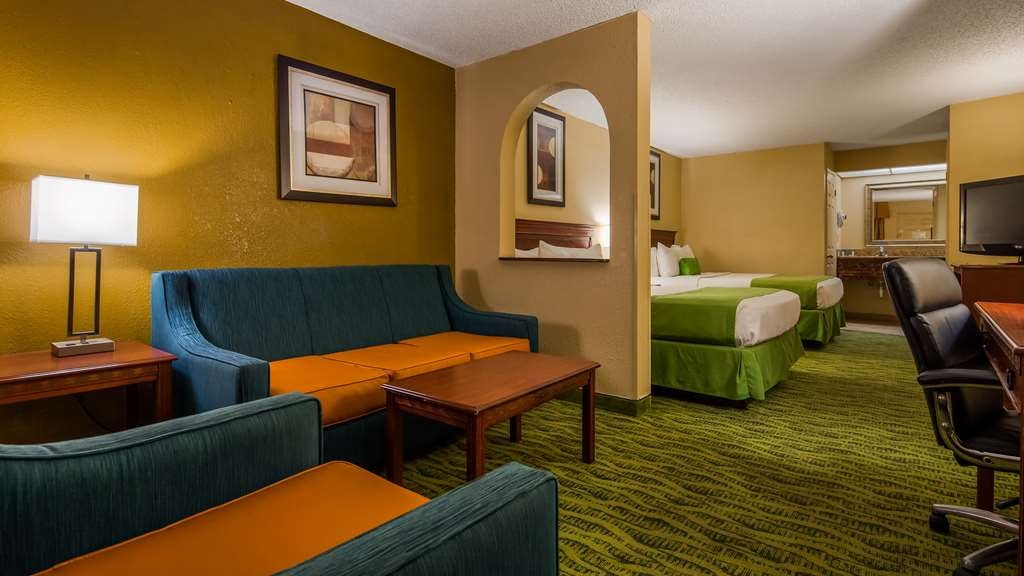 Best Western Orlando East Inn & Suites - Suite