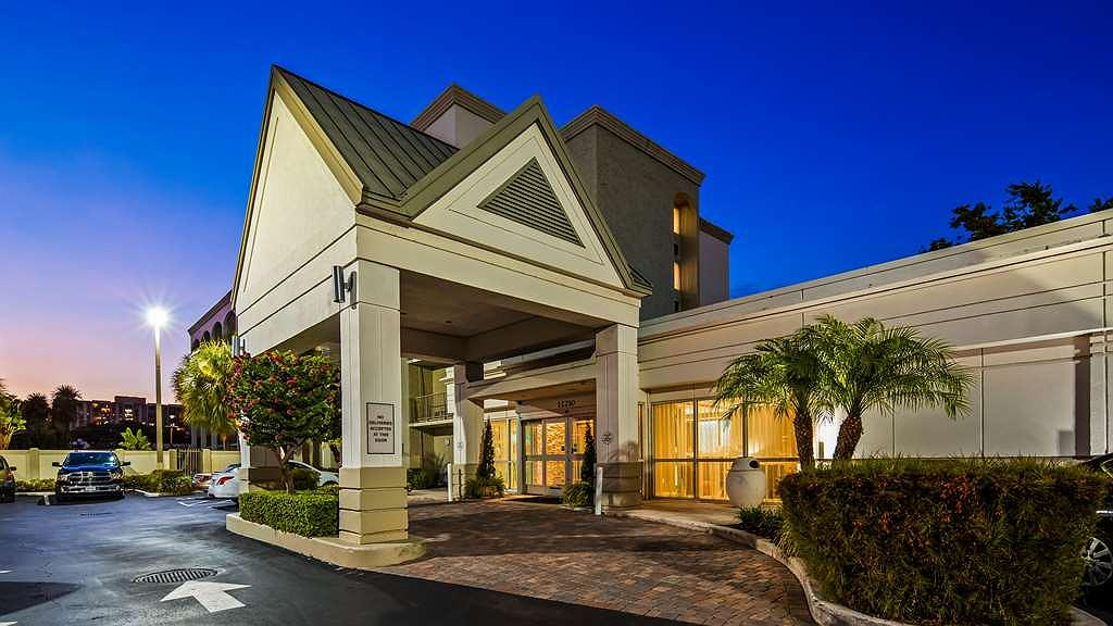 Best Western Plus Windsor Inn - Aussenansicht