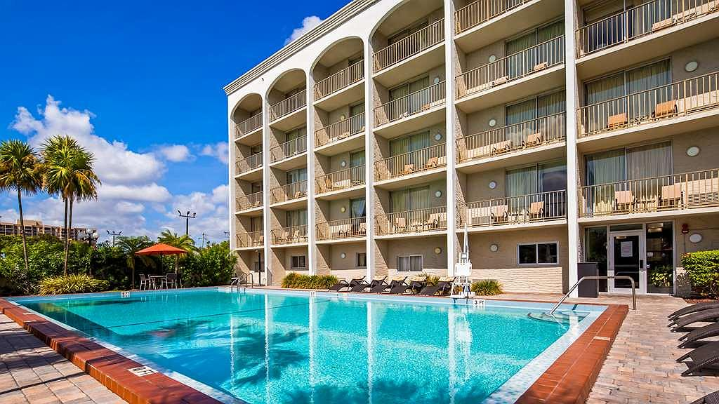 Hotel in North Miami   Best Western Plus Windsor Inn