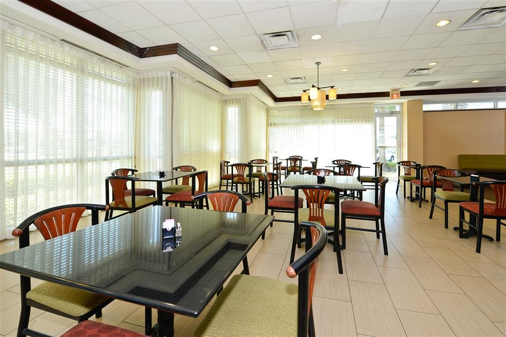 Best Western Plus Windsor Inn - Restaurants