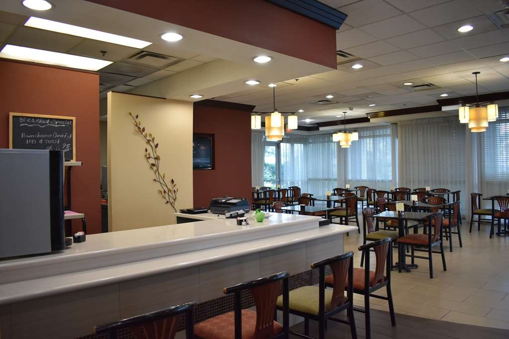 Best Western Plus Windsor Inn - Come enjoy breakfast or dinner at our onsite restaurant
