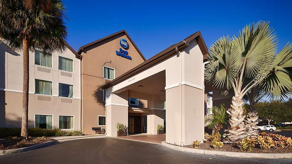 Best Western Auburndale Inn & Suites - Aussenansicht