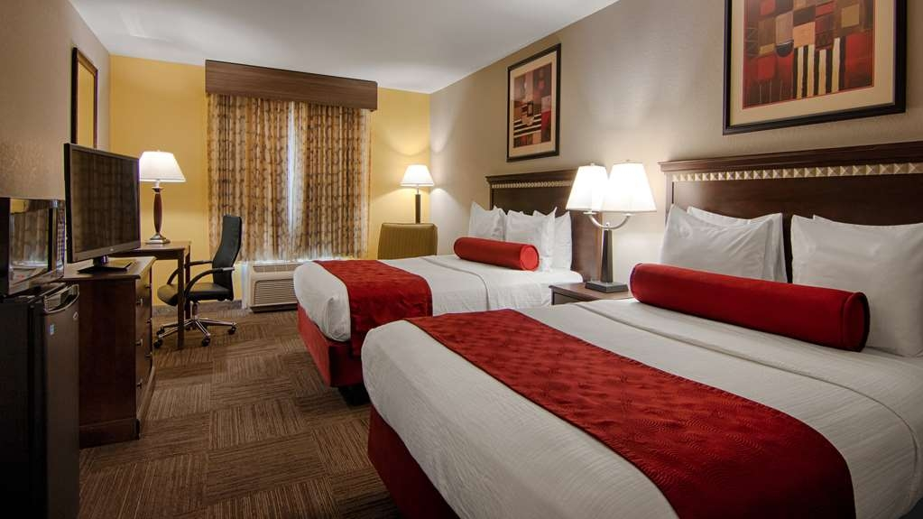 Best Western Auburndale Inn & Suites - Two Queen Bed Room