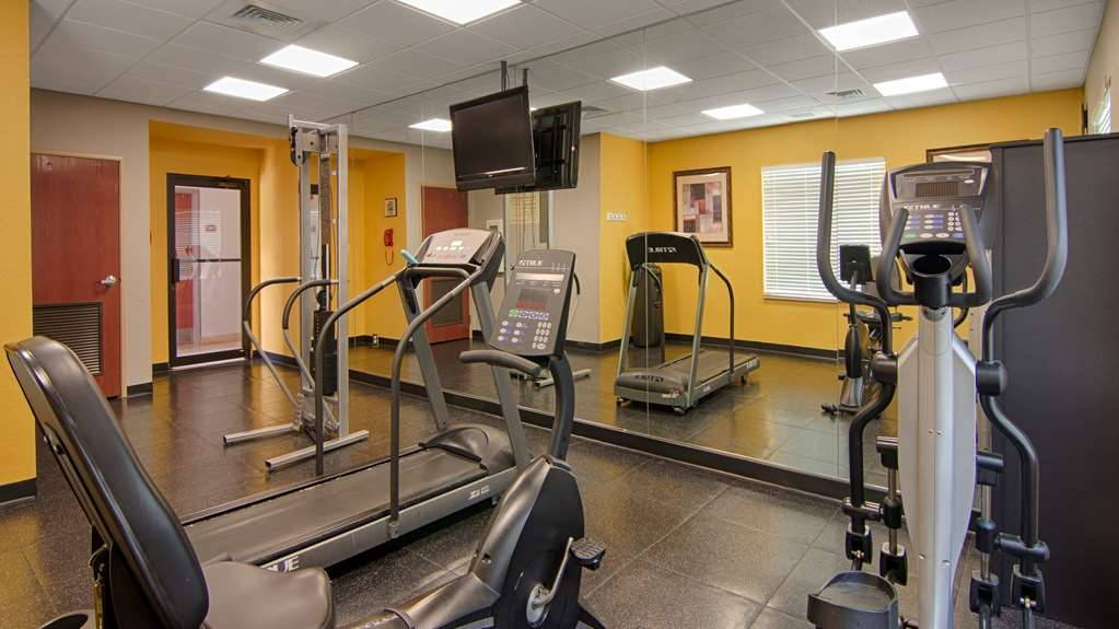 Best Western Auburndale Inn & Suites - Our fitness center allows you to keep up with your home routine even when you're not at home.