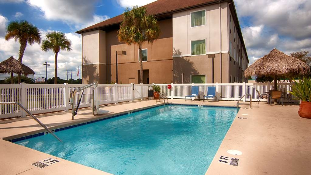 Best Western Auburndale Inn & Suites - Be treated like family the moment you step into the Best Western Auburndale Inn & Suites