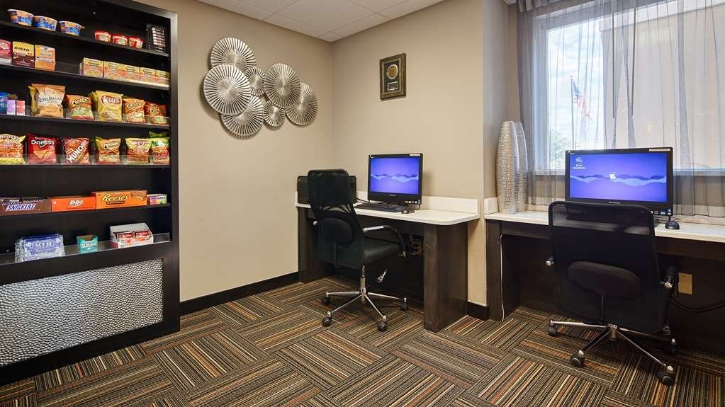 Best Western Auburndale Inn & Suites - All guests have free access to our business center which includes Internet printer and fax services.