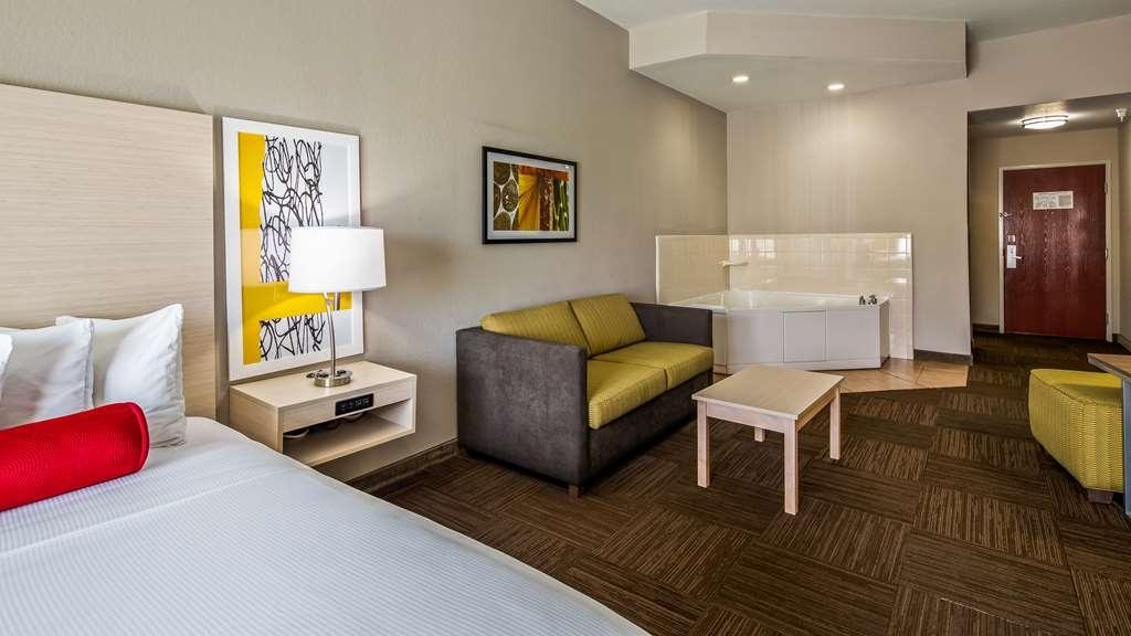 Best Western Auburndale Inn & Suites - Gästezimmer/ Unterkünfte