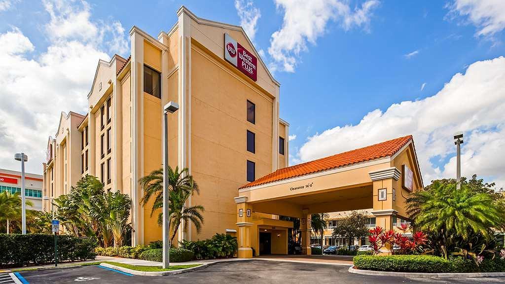 Best Western Plus Kendall Hotel & Suites - Aussenansicht