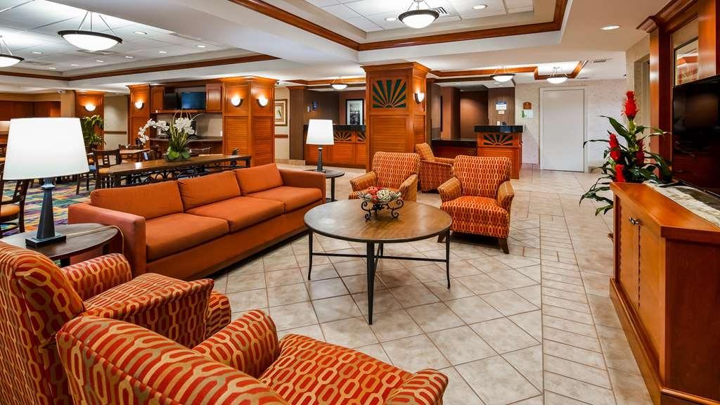 Best Western Plus Kendall Hotel & Suites - Vue du lobby
