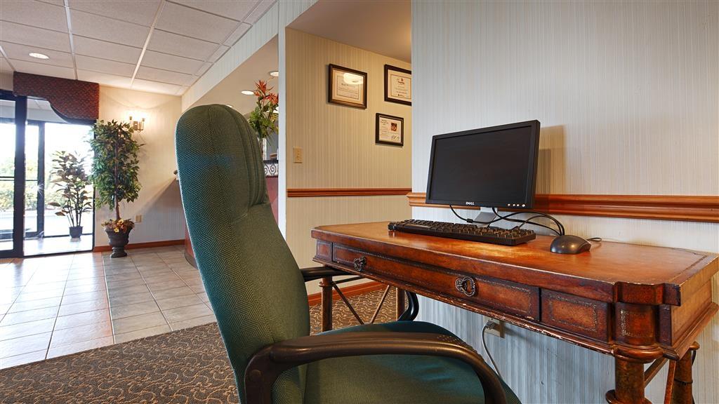 Best Western Lake Okeechobee - In unserem Business Center stehen Ihnen ein kostenloser High-Speed-Internetzugang sowie die Drucker zur Verfügung.