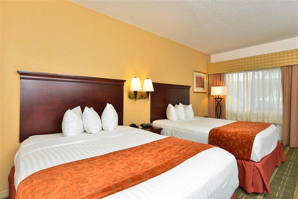 Best Western Lake Okeechobee - Standard Room 2 Queen Beds