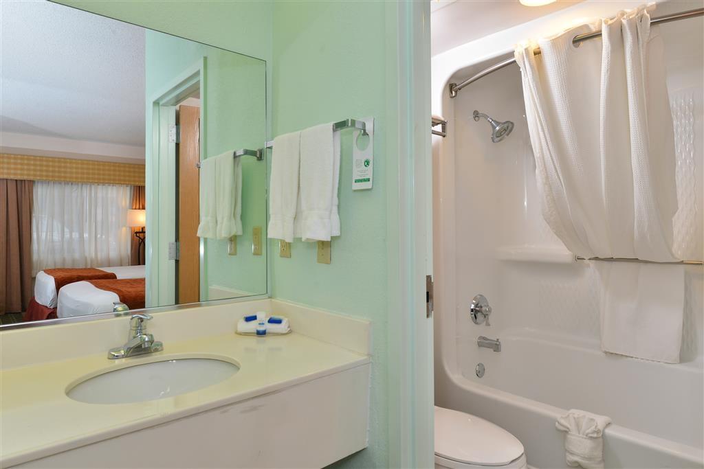 Best Western Lake Okeechobee - Guest Bathroom