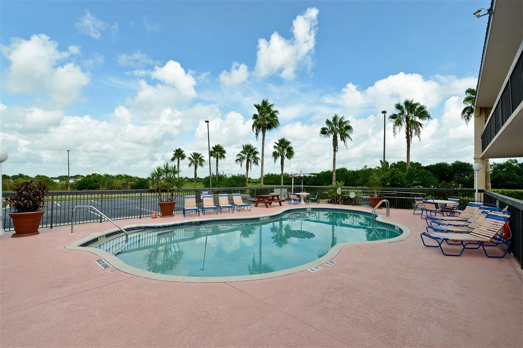 Best Western Lake Okeechobee - Outdoor Pool