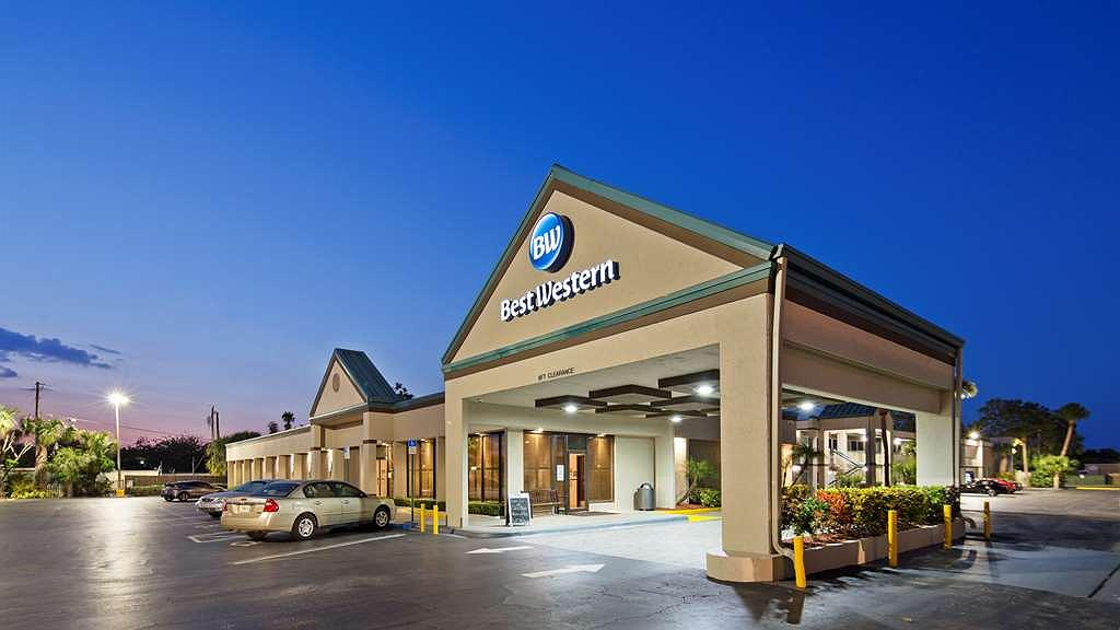 Best Western Downtown Stuart - Our newly remodeled property awaits you.