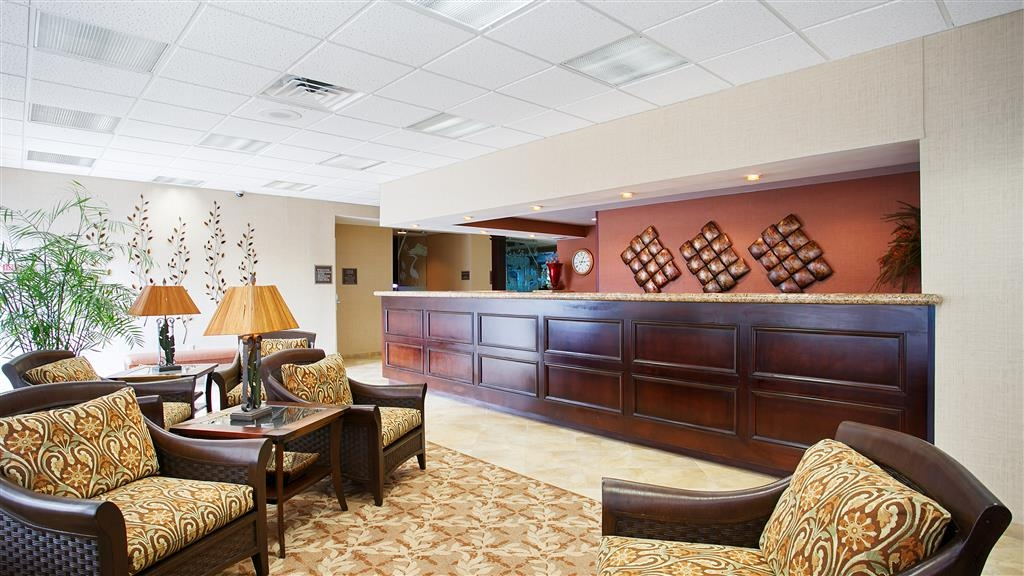 Best Western Downtown Stuart - Our 24-hour front desk will go above and beyond to provide you exceptional customer care from check-in to check-out.