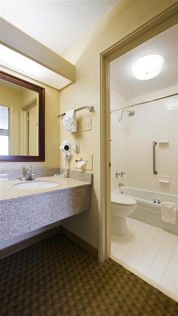 Best Western Downtown Stuart - All standard guestroom bathrooms have a large vanity with plenty of room to unpack the necessities.