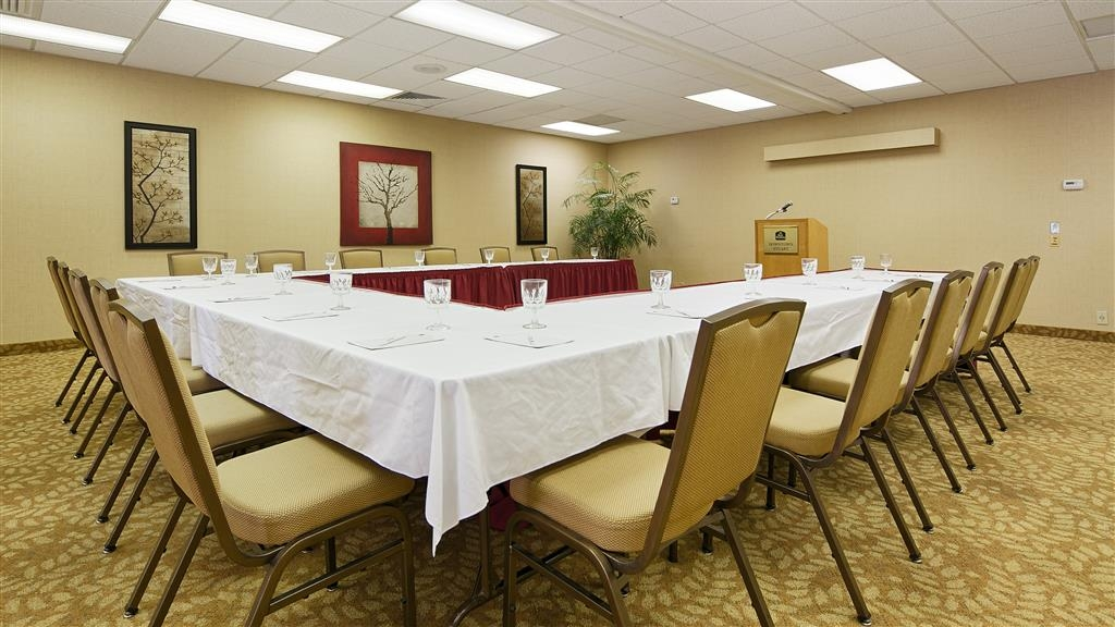 Best Western Downtown Stuart - Our meeting room is perfect for moderate sized gatherings, presentations or seminars.