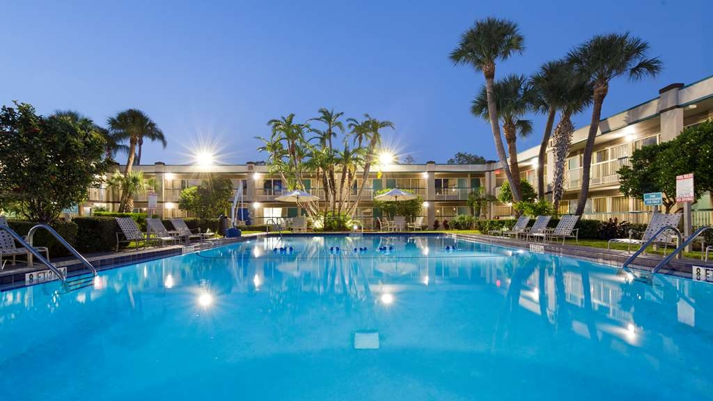 Best Western Downtown Stuart - Vista de la piscina
