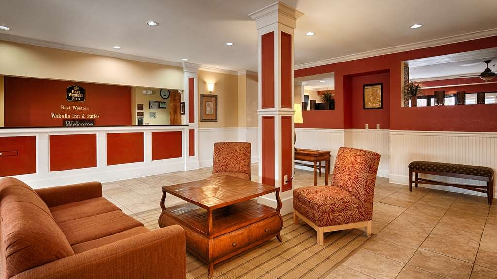 Best Western Wakulla Inn & Suites - We strive to exceed your every expectation starting from the moment you walk into our lobby.