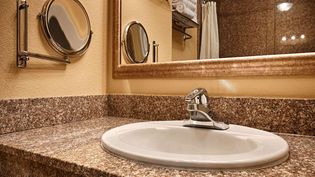 Best Western Wakulla Inn & Suites - We take pride in making everything spotless for your arrival.