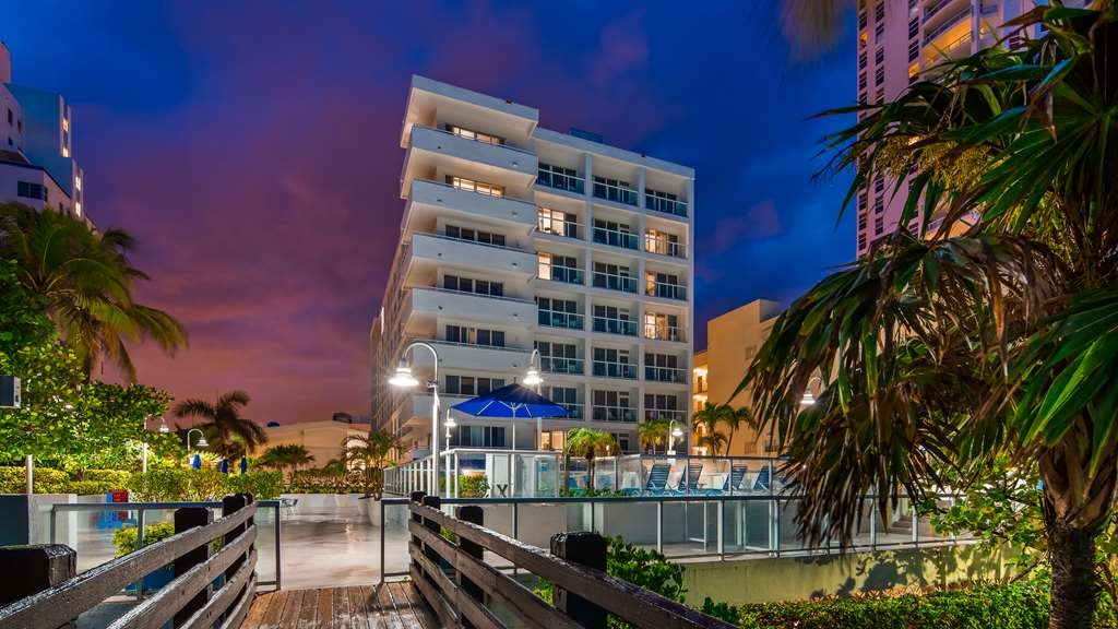 Best Western Plus Atlantic Beach Resort - Außenansicht