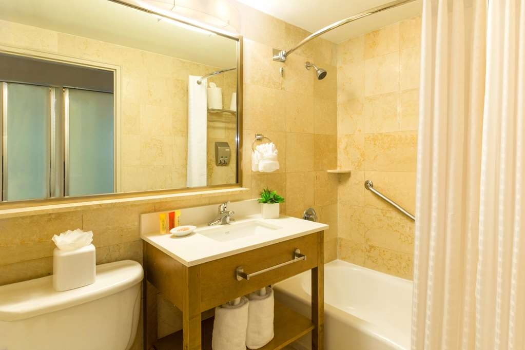 Best Western Plus Atlantic Beach Resort - Badezimmer