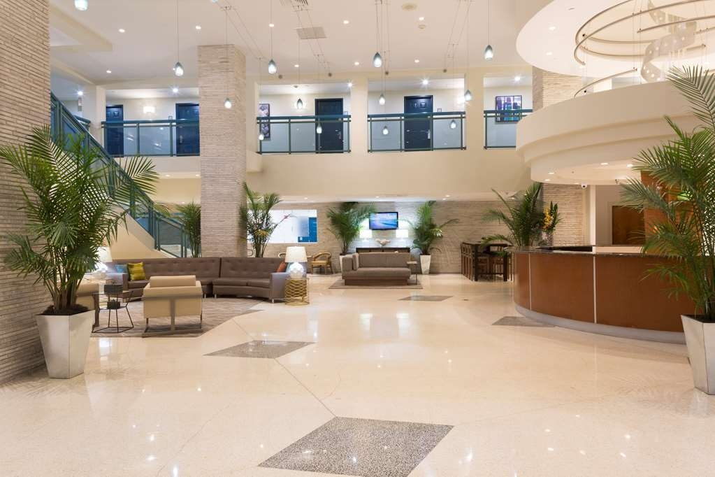 Best Western Plus Atlantic Beach Resort - Lobbyansicht