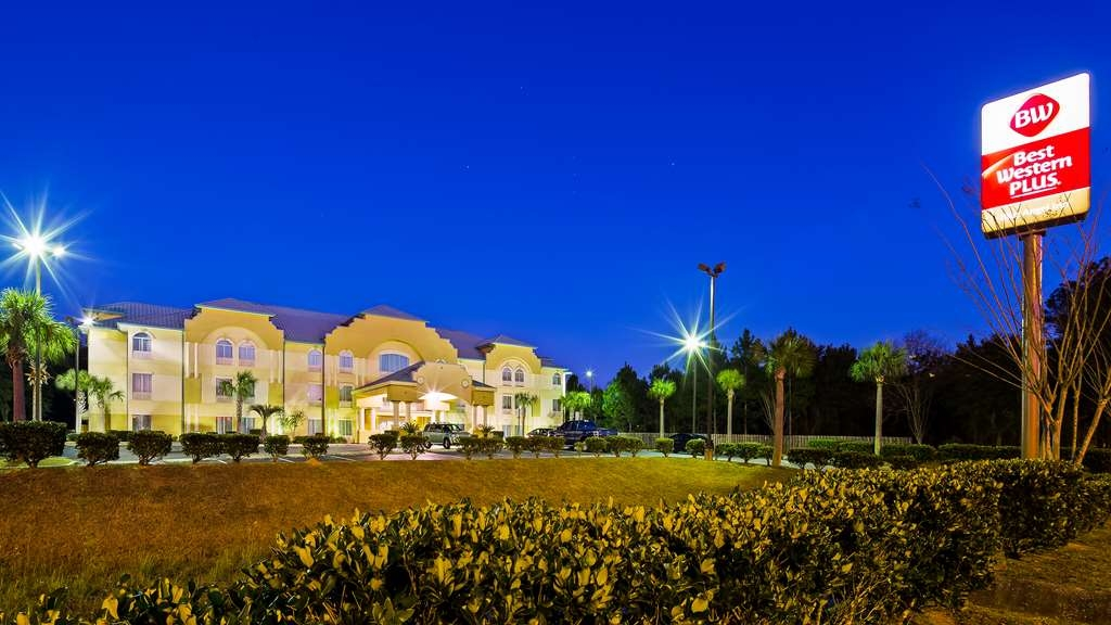 Best Western Plus Blue Angel Inn - Facciata dell'albergo