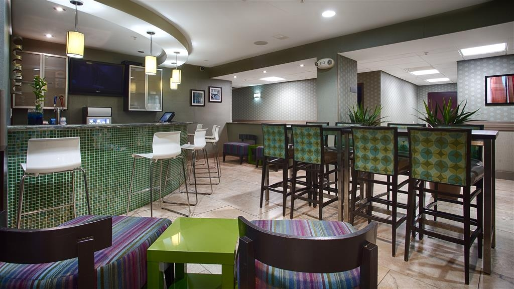 Best Western Plus Fort Lauderdale Airport South Inn & Suites - Bar / Lounge
