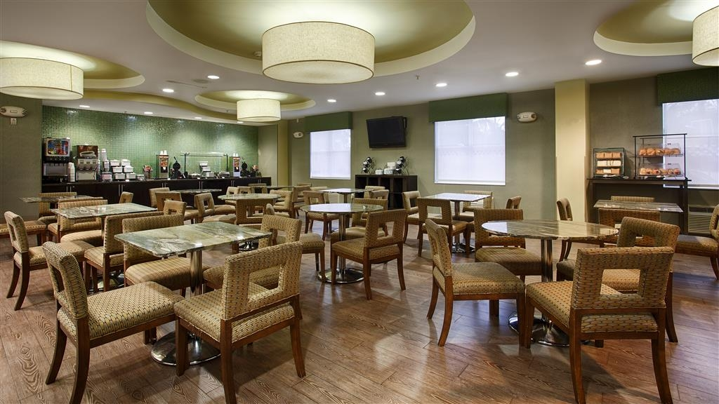Best Western Plus Fort Lauderdale Airport South Inn & Suites - Le petit déjeuner buffet