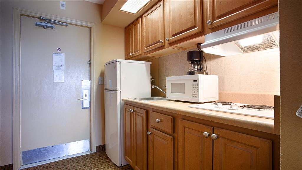 Best Western Castillo Del Sol - Guest rooms with kitchenettes are available upon request.
